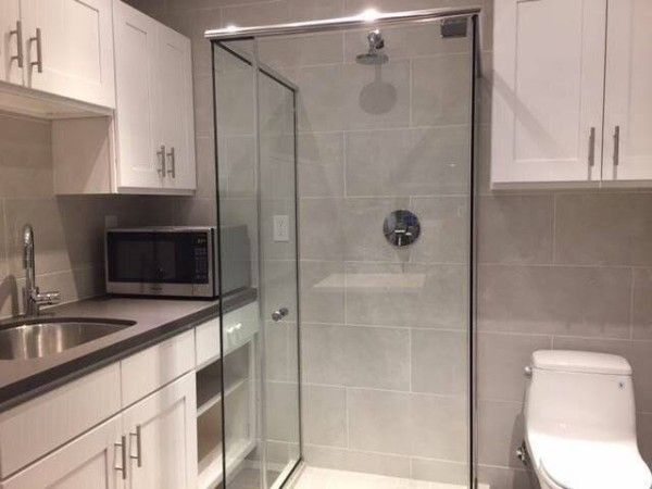 Microwave In The Bathroom Or Shower And Toilet In The Kitchen? U201cGonna Shit,  Shower And Have Hotpocketu2026u201d