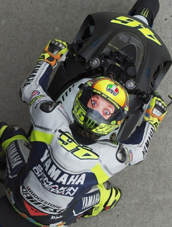 valentino rossi 39 s helmet is awesome. Black Bedroom Furniture Sets. Home Design Ideas